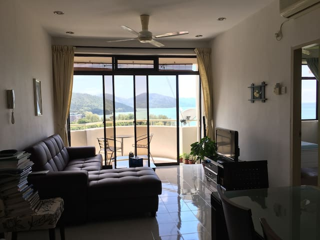 The best views on the Island - Batu Ferringhi - Apartment