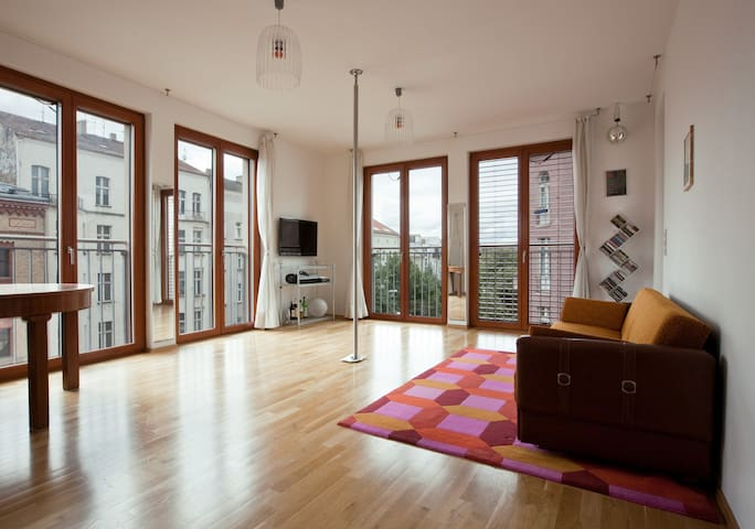 Sexy flat  in Mitte - great view - super central