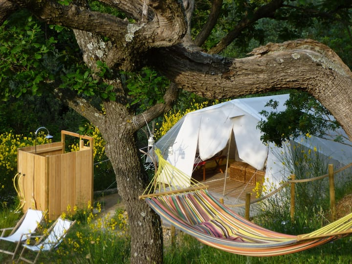 Mas Kailash, Bed & Breakfast in luxury tents