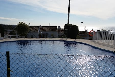little studio house with pool and sea view - Mijas