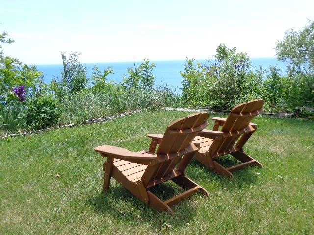 Away to Relax! Panoramic Lake View, Free Parking - Toronto - Huis