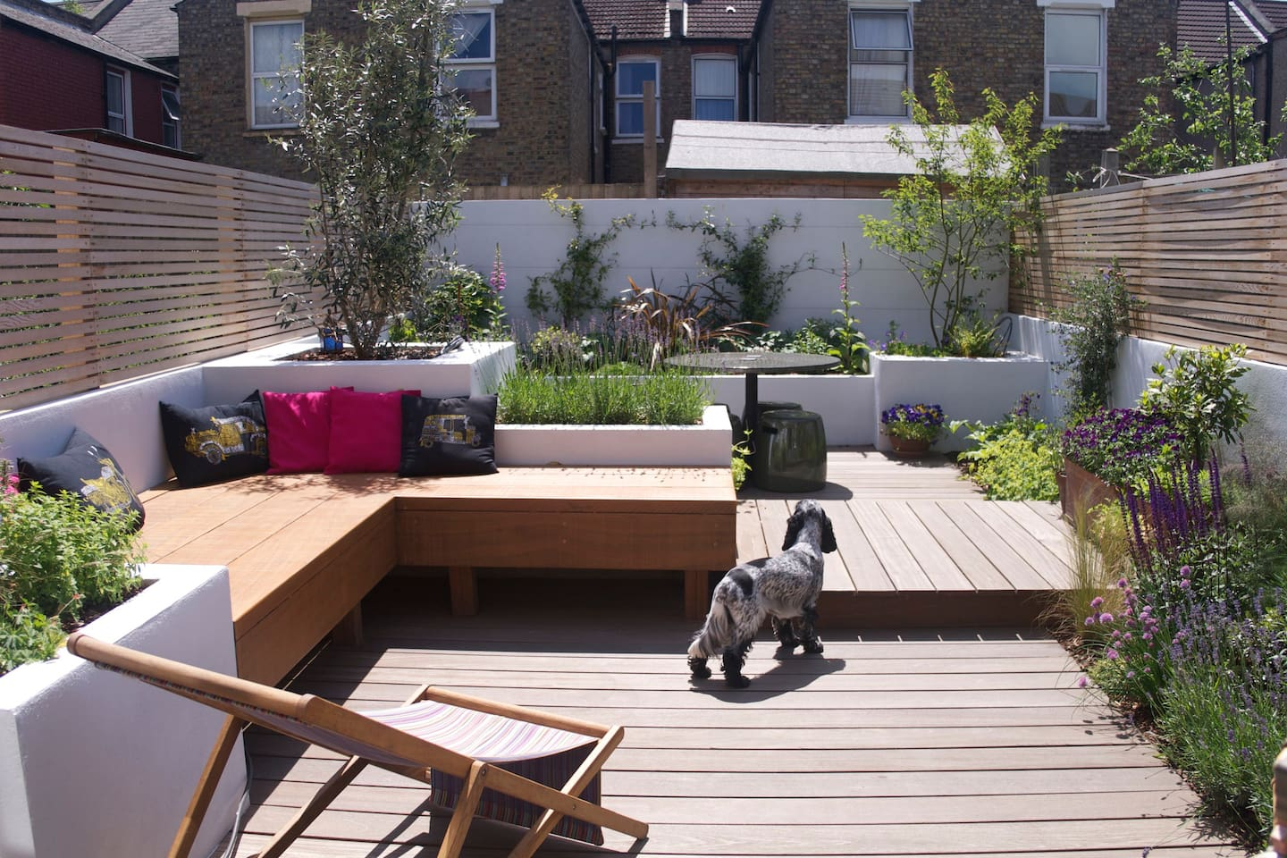 Sociable south-facing garden, great for chilling out in after a day visiting London's sites.