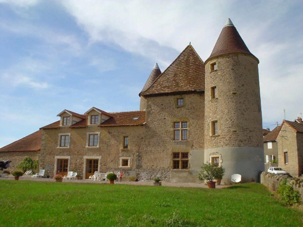 Petit Château du XIV éme siècles
