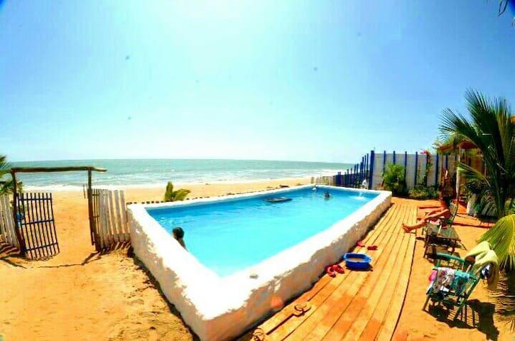 Playa Zorritos, Casa con Piscina Frente al Mar