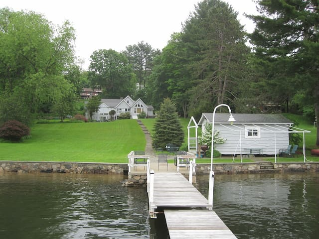 Candlewood Lake House - Danbury - House