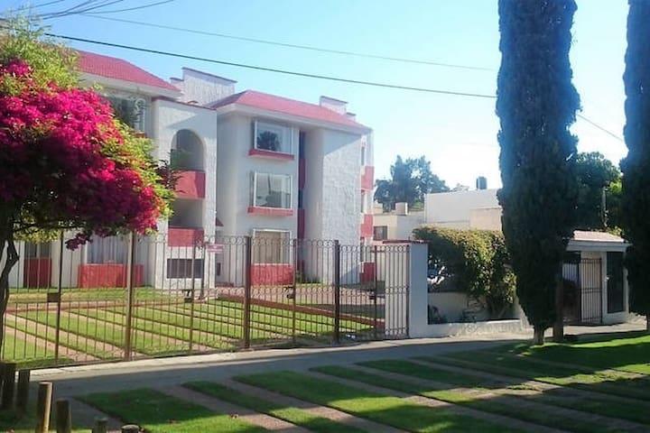 Hermoso departamento cerca de plaza Galeías - Zapopan - Daire