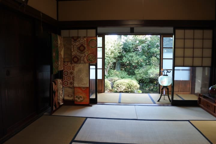 Japanese traditional house (Reserved for 6guests )
