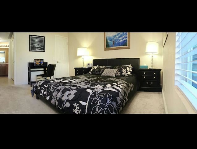 WALK TO THE STRIP! BEAUTIFUL PRIVATE ROOM!