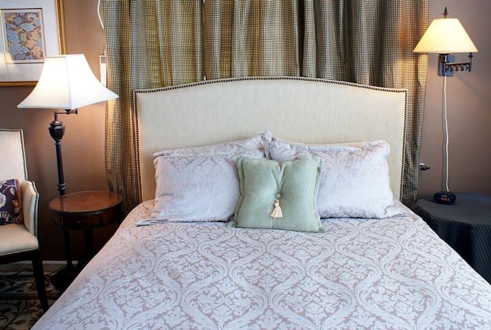 Fountainview Inn - Suite 311
