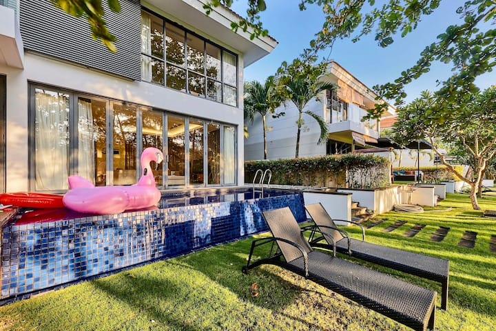 Emblemsea  4Bedrooms villa 5* free pick up