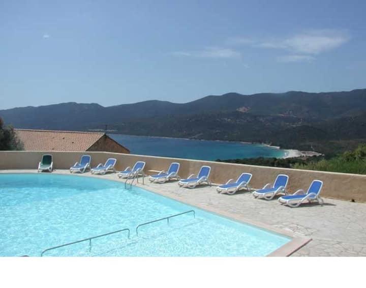 Duplex de 55m² piscine chauffée
