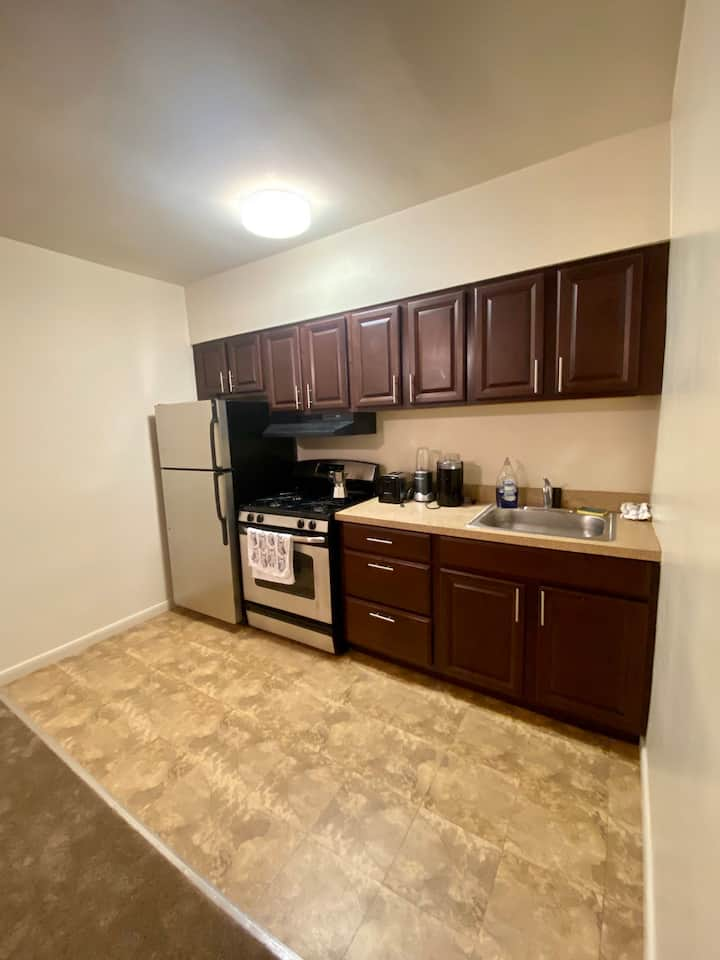 Apartment in morris ave near restaurants & airport
