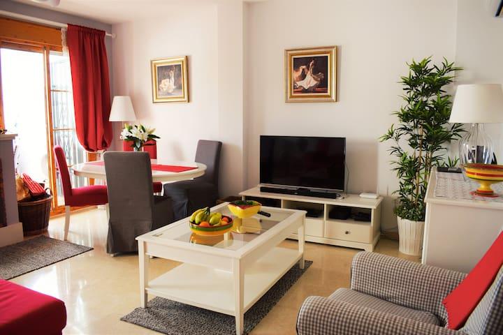CASA WALKER: Modern+Views+Pool+Wifi - Frigiliana - Casa