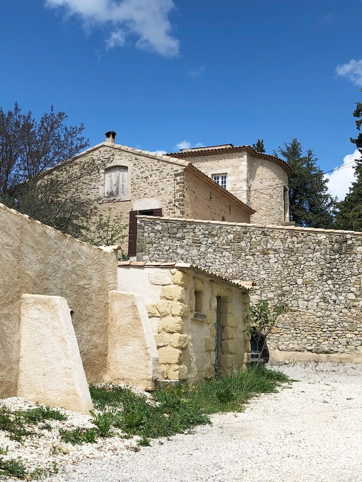 Idyllic Provence home, view on The Mont Ventoux.