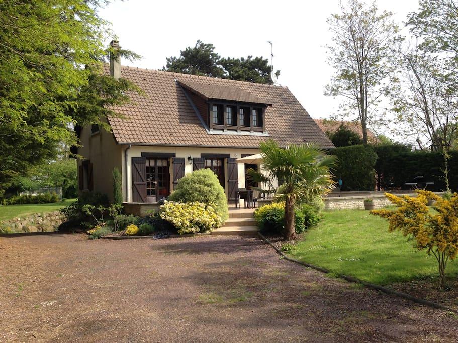 Maison et terrasse