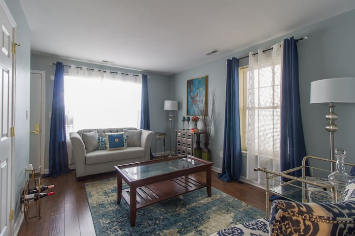 Cozy West Philly Townhouse