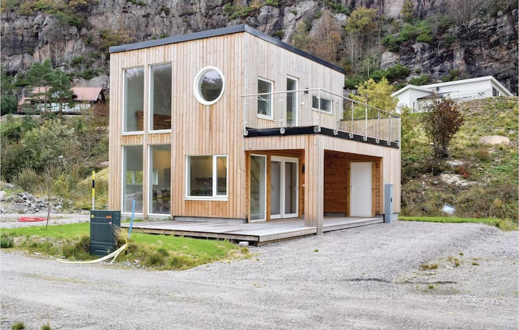 Holiday cottage with 3 bedrooms on 78m² in Lindesnes