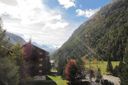 2-Zi Appartement 1-4 P. Täsch bei Zermatt (Herbst) - Täsch - Huoneisto