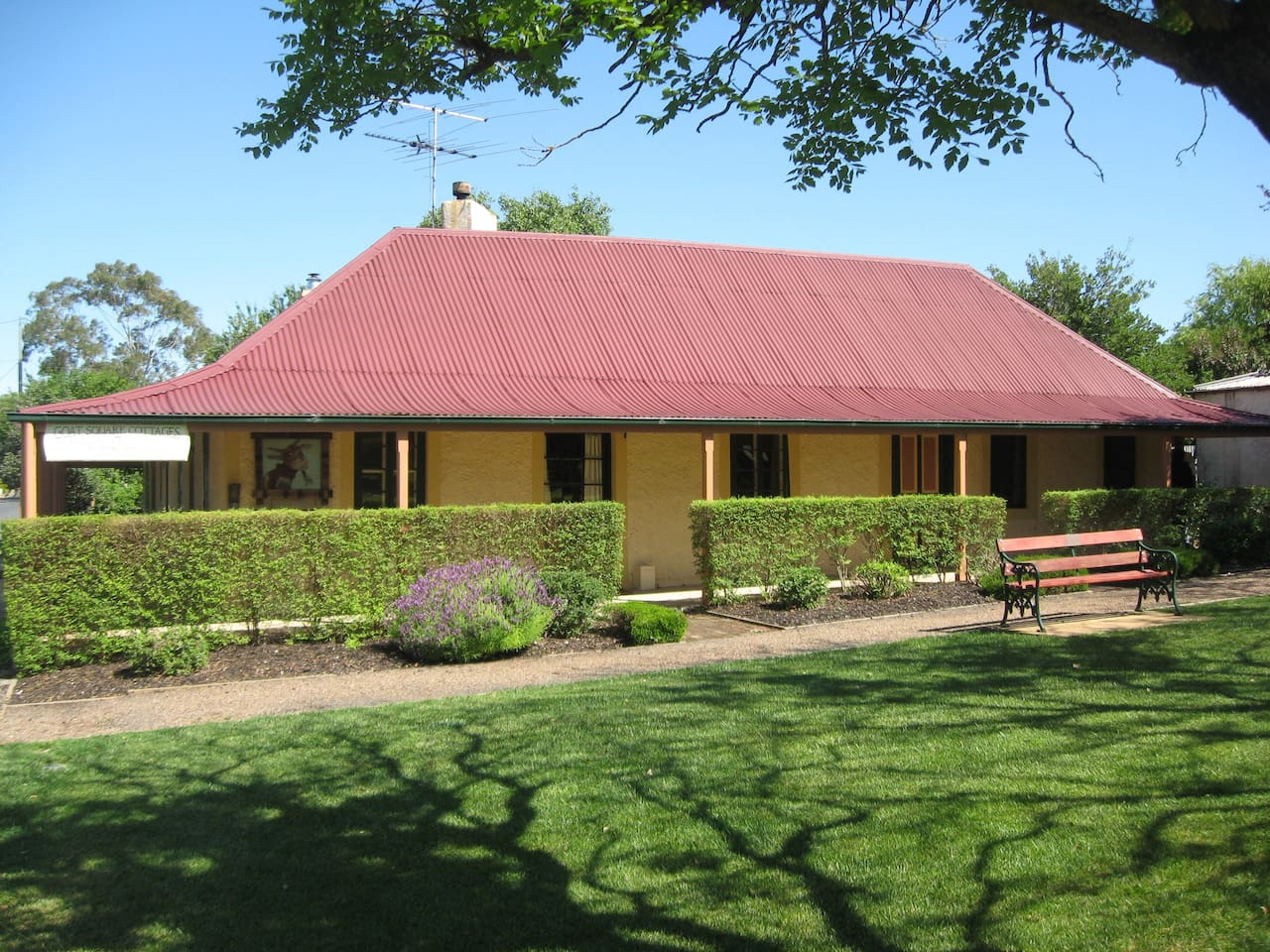 Historic Goat Square Cottages - Tanunda - Barossa Valley