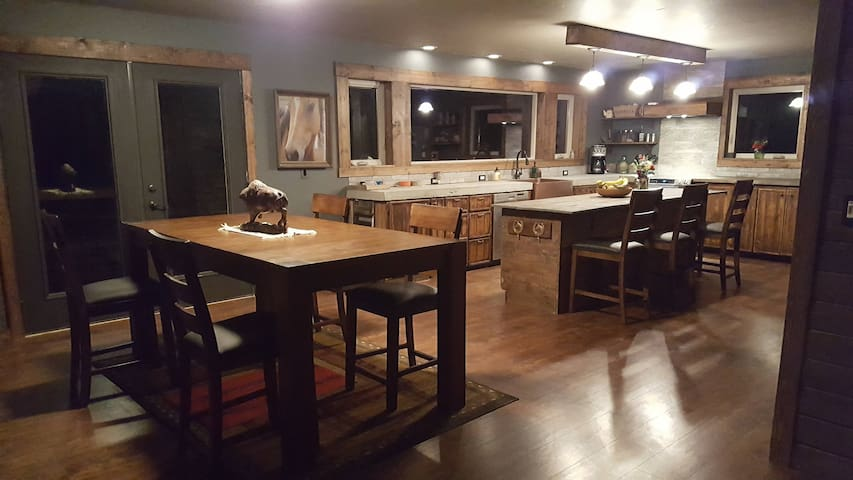 Country getaway close to Kalispell, Flathead Lake - Kila