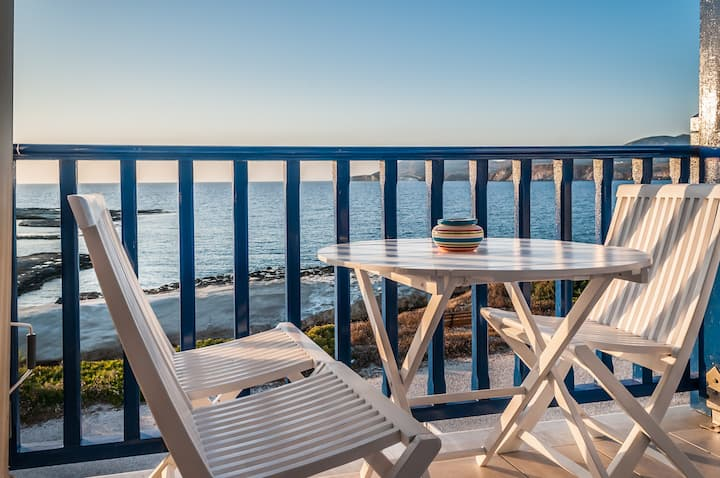 Aphrodite by Akroploro -  a  sea view junior suite