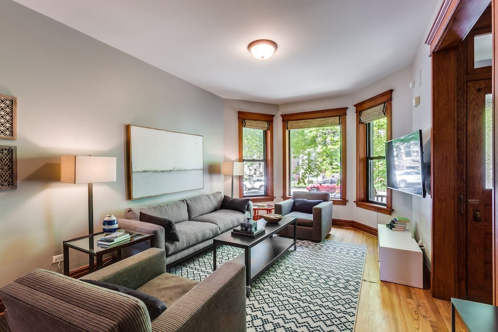 The bay windows let in so much light!
