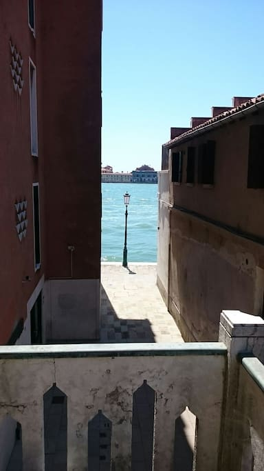 boh mien apartment with terrace flats for rent in venice ve italy. Black Bedroom Furniture Sets. Home Design Ideas