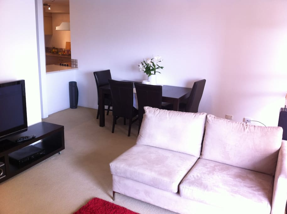 Comfortable Lounge/Dining with Foxtel