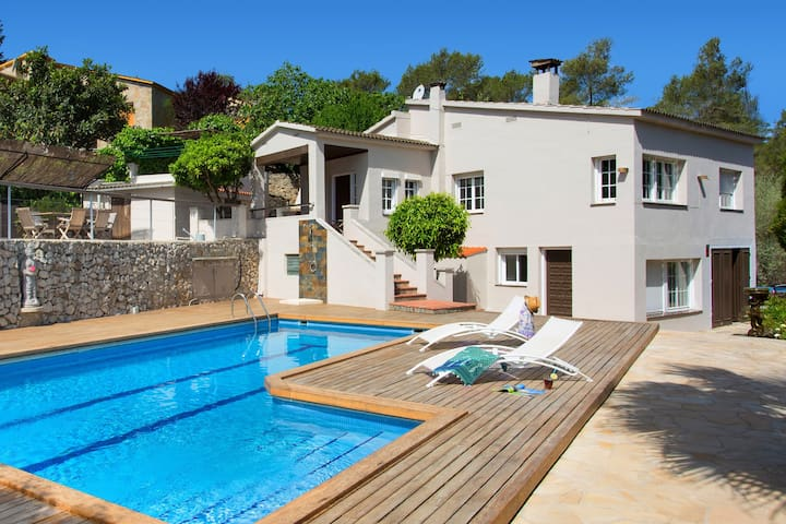 Getaway Sitges hills with big pool - Olivella - House