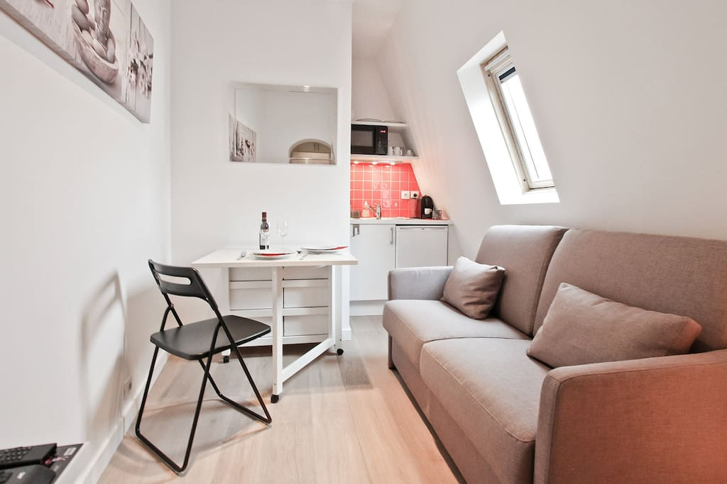 Cocooning studio, bright and new