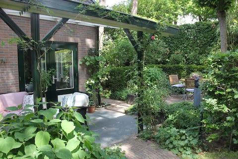 Atmospheric garden house in beautiful surroundings