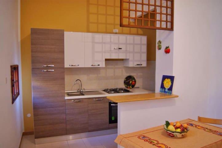 A due passi dal centro storico - ideale per INYCON - Menfi - Apartment