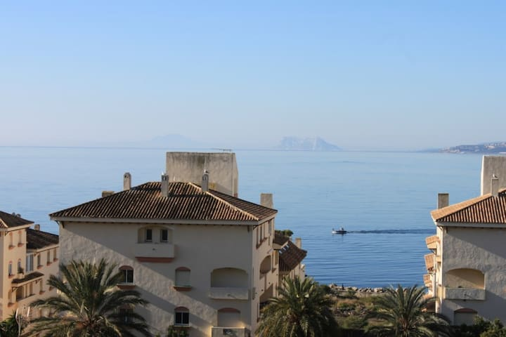 2nd Line apartment with sea view - Estepona - Appartement