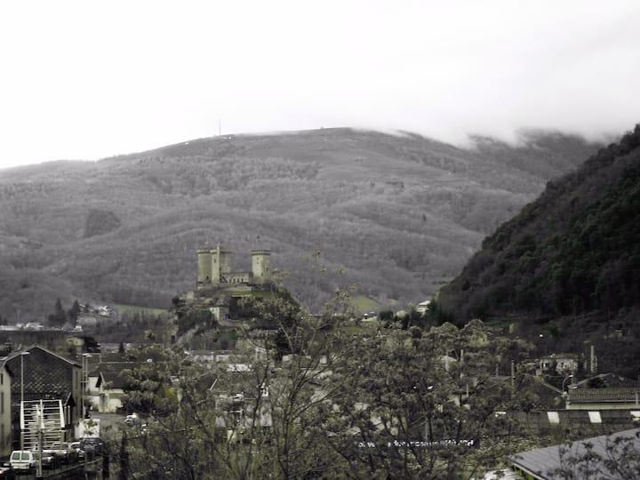Bel appartement 55m² vue château et montagnes