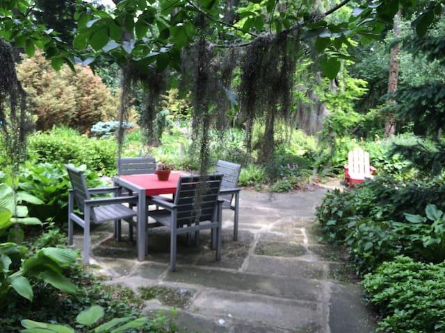 Back yard private patio.