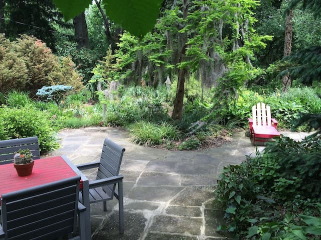 Another patio picture.
