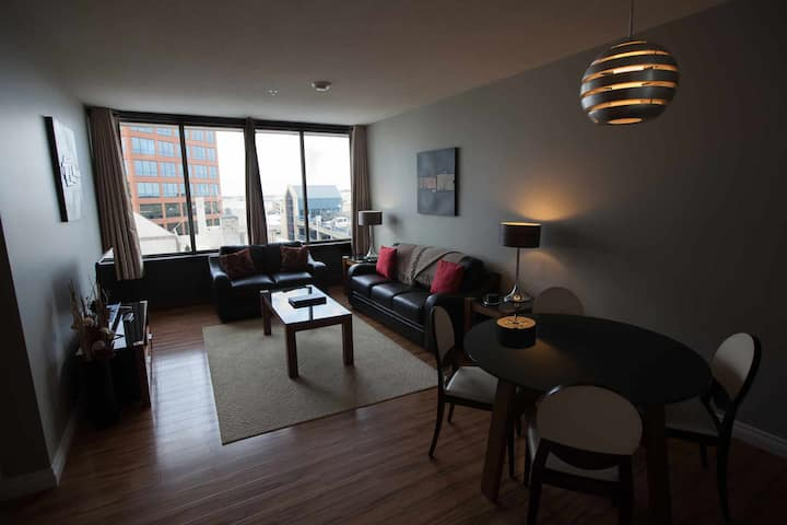 Luxury 1 Bed 1Bath Suite w/ full kitchen + laundry