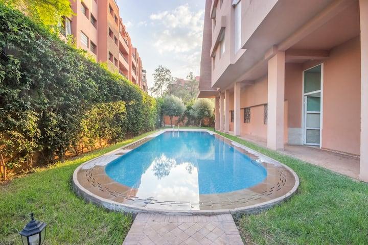 BOUR.Beautiful apartment. 2 bedrooms Swimming pool