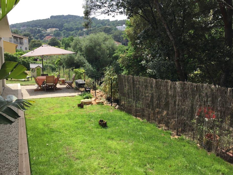Jardin côté bois - accès au bois