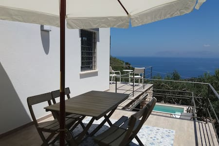Cozy House in Scopello Zingaro...sea view