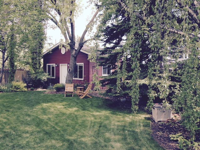 Private Garden Suite for Two - Calgary