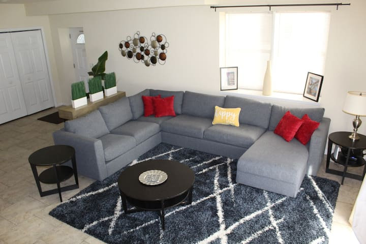 M1 Cozy & Chic House near NYC / 14 Guests+ Parking