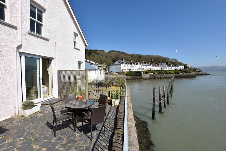 2 Bed - Waters Edge Cottage With Panoramic Views