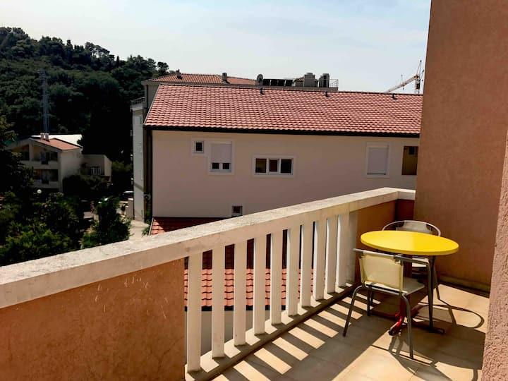 Orange apartment no I