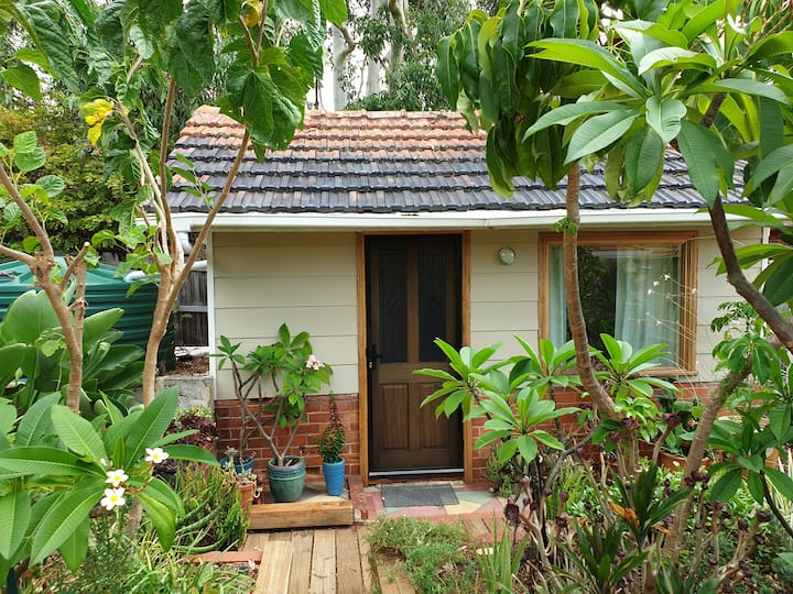 Cabin in a big garden - a private setting