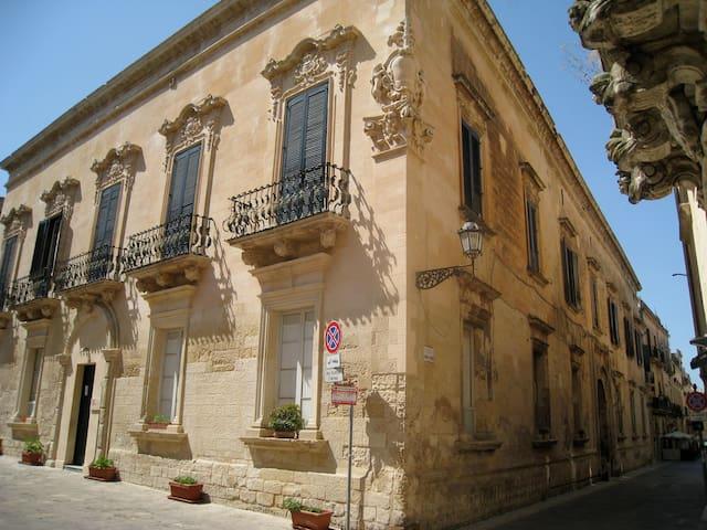 ARTSPACE in palazzo storico a Lecce