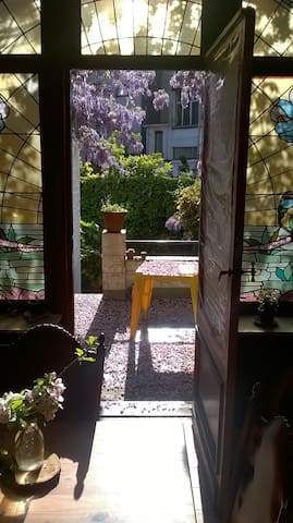 room in magnificient home - Saint-Gilles - Talo