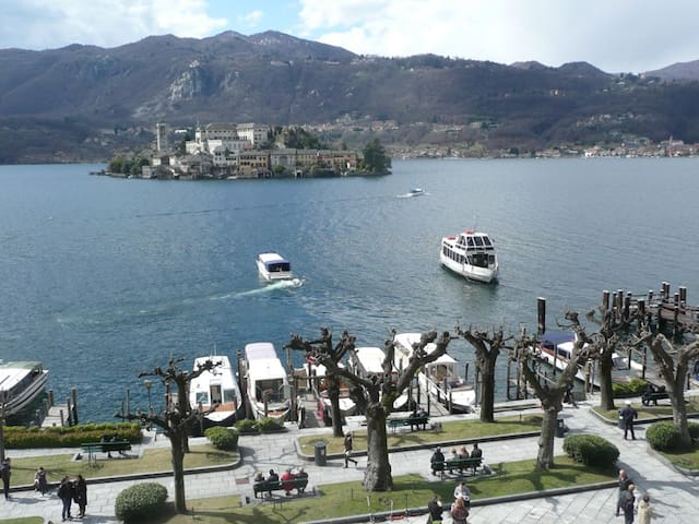Venere with fanastic island view! - Orta San Giulio - 公寓