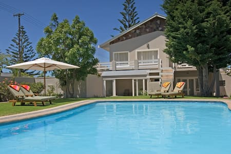 Moments Guesthouse - Kleinmond