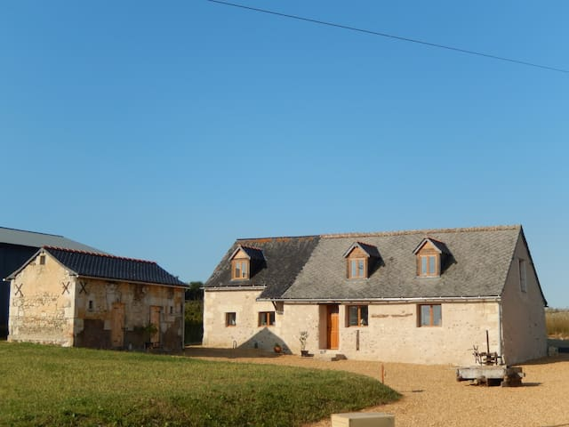 Renovated barn in rural setting - Broc - Talo
